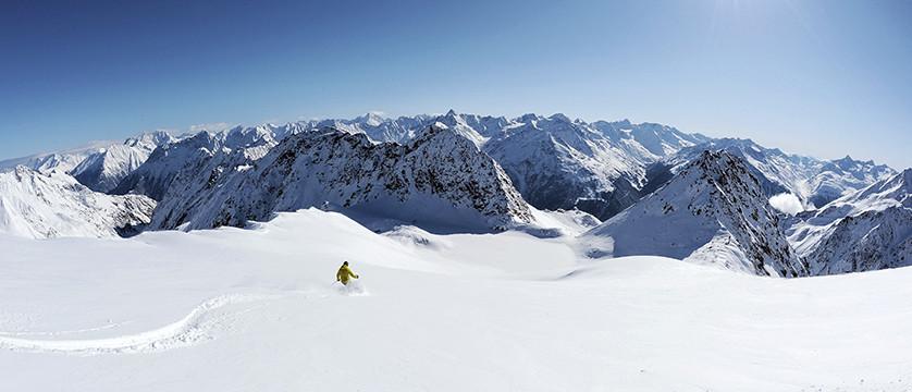 Austria_Obergurgl_deep snow.jpg